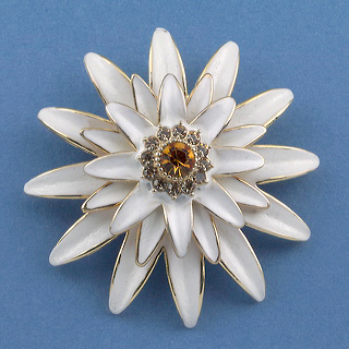White Porcelain Chrysanthemum Pin
